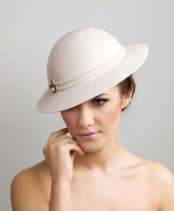 تعرفي على قبعات العروس وأشكالها